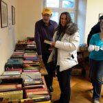 Erfolgreicher Bücherflohmarkt zum Nikolaus