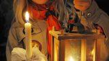 Adventskalender und Friedenslicht zum Mitnehmen