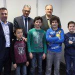 Erfolgreiche Schulschachmannschaft zu Besuch im Rathaus