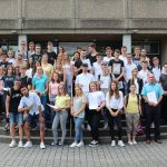 Jugendliche interessieren sich für Politik und engagieren sich