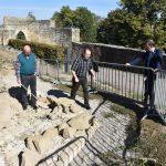 Neue Erkenntnisse und Funde auf der Burg Steinsberg vorgestellt