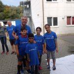 Landrat Stefan Dallinger packt in Sinsheim selbst mit an