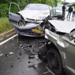Frontalzusammenstoß bei Nässe: B292 nach Unfall gesperrt