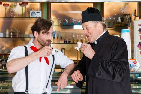 Don Camillo und Peppone und Des Kaisers neue Kleider