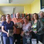 ISbN-Buchübergabe an die Stadtbücherei