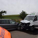 Paketzusteller prallte frontal in Pkw – L552 zwischen Tiefenbach und Odenheim nach Unfall gesperrt