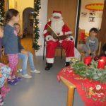 Nikolaus komm in unsern Kindergarten wo viele Kinder warten