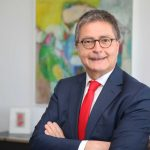 Thomas Geiß im Vorstand der Sparkasse Kraichgau bestätigt